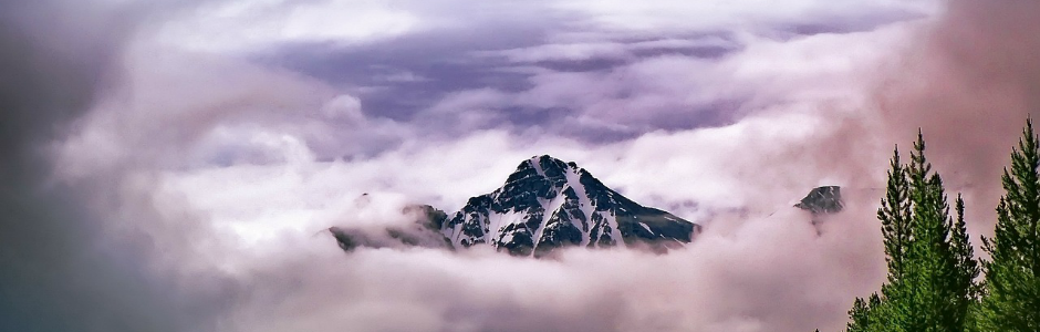 Image of a mountain in fog