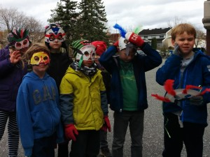 kids with masks - Copy