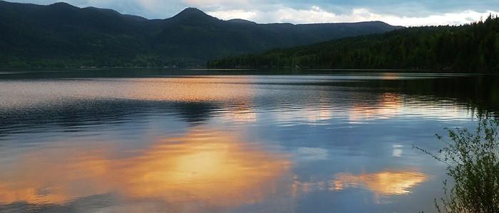 canim-lake-66030_1920