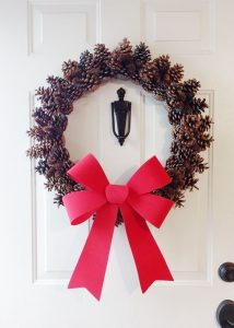 Image of a Pine Cone Wreath